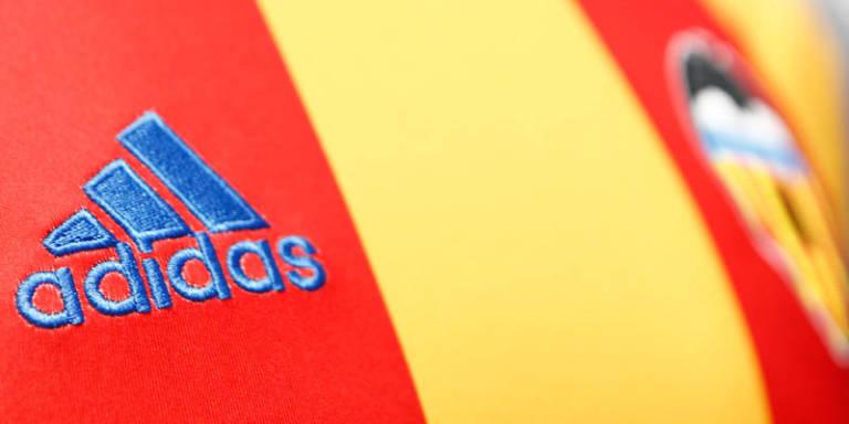 a2e86e863 Los ingresos del Valencia por la ropa deportiva
