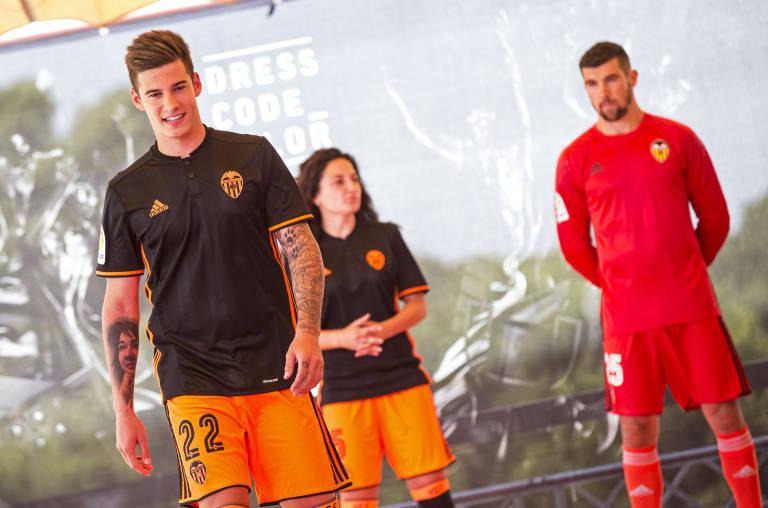 segunda equipacion Valencia CF nuevas