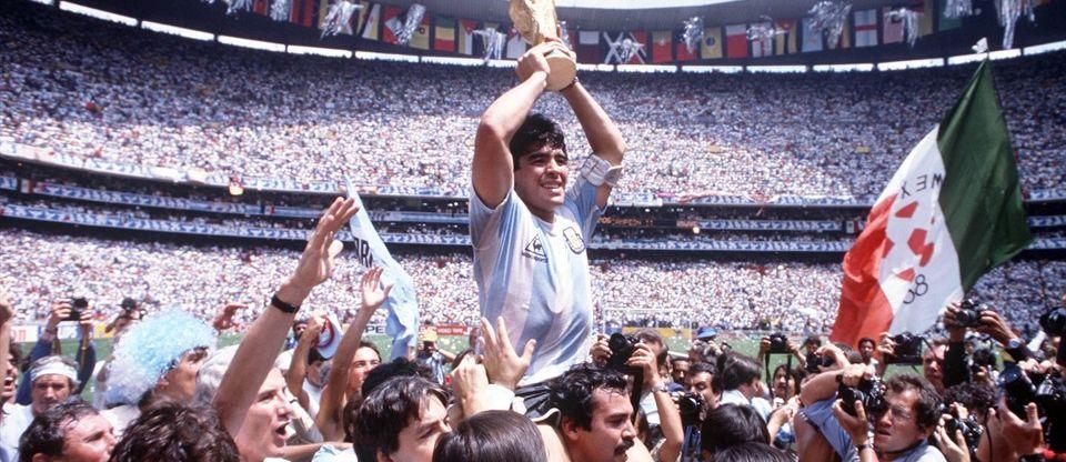 280a5022a El Mundial de la ola en la grada, de Argentina, del Diego, de Bilardo, de  Butragueño y sus 4 goles a Dinamarca. El de la diferencia horaria y el  trasnochar.
